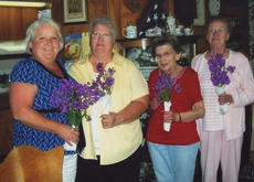 """<div class=""""source""""></div><div class=""""image-desc"""">berry homemaker officers. The Berry Homemaker officers are, from left, Julie Bates-vice president, Candy Whithers-president, Katherine Price-treasurer, and Betty Hannah-secretary.</div><div class=""""buy-pic""""></div>"""