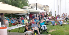 """<div class=""""source""""></div><div class=""""image-desc"""">Friday's crowd enjoyed the sounds of Pike Street Opry and the Blue Collar Rebel Band.</div><div class=""""buy-pic""""><a href=""""/photo_select/23634"""">Buy this photo</a></div>"""