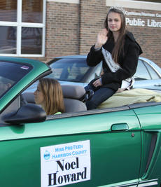 "<div class=""source"">Becky Barnes</div><div class=""image-desc"">Miss Pre-Teen Noel Howard rode in the Chamber of Commerce's annual Christmas parade on Saturday, Dec. 1. Howard's picture was inadvertently omitted from the special parade section.</div><div class=""buy-pic""><a href=""/photo_select/21289"">Buy this photo</a></div>"