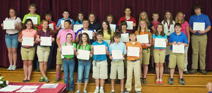 Students of the Maroon Team receiving Honor Roll awards were: back row, from left, Brittany Worrell, Tyler Linville, Eli Dahmer, Nathan Foster, Kaylee Hernandez, Jima Hill, Gracie Murphey, Bryce Morris, Michael Ann Stephens, Gannon Terhune, Christina Wilson, Briana Searp, Isaac Sims; middle row, Hannah Perkins, Kinlee Kellione, Quenton Turley, Jarrett Adams, Robin Harrison-Roberts, Boston Pergram, Sophia Hatterick, Mackenzie Mosig, Dawson Miller; front row, Sierra Ecklar, Grace Simpson, Isaiah Stiltner, Chance Kemplin, Duncan Wiley.