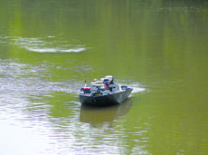 """<div class=""""source"""">Lee Kendall</div><div class=""""image-desc"""">Search and Rescue boats began dragging the river on Saturday morning.</div><div class=""""buy-pic""""><a href=""""/photo_select/46885"""">Buy this photo</a></div>"""