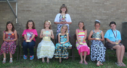 Students receiving Reading Counts awards were: front row, from left, (400 points and above) Billie Turner, Gracie Davis, Reese Shirley, Sophia Bowlin, Caroline VanHook, Lily Winkle, Trinity Taylor; back row, Katie Coghill (600 points).