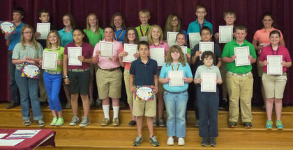 HCMS 6th grade students of the Gold Team receiving awards for the top 3 GPA were: top row, from left, Jacob Ray, Nigel Amick, Lauren Bentley, Madison Kellione, Gracie Roberts, Devin Miracle, Jordan Jenkins, Dylan Etienne, Damien Coy, Hannah Perkins; center row, Emma Ray, Kenzie Jones, Jessica Torres, Anthony Vascotto, Emma Gooden, Madison Johnson, Sierra Ecklar, T.J. Rowland, Sheldon Baxter, Halee Tapp; front row, Lee Perkins, Michelle Halderman, Mitchell Florence.