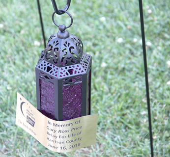 Luminaries of different types were displayed in honor of loved ones who lost battles with cancer.