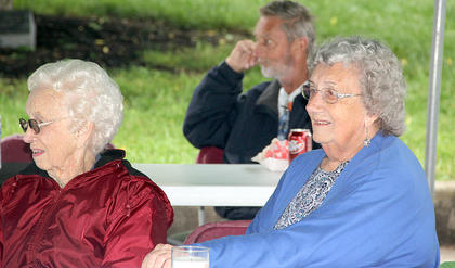 Pauline Copes, left, and Faye Copes enjoyed the performances by the HCHS Jazz Band and by the Bluegrass band, The Wooks.
