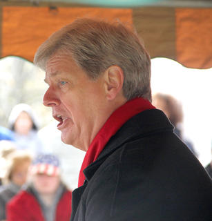Lee Stritesky performed a Song of Hope to conclude the Veterans Day ceremony on Saturday at Battle Grove Cemetery.